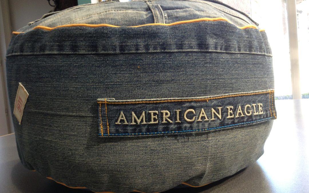 Récup Jeans : un pouf !